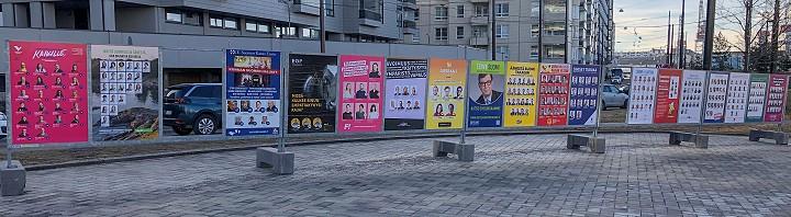 Vaalijulisteita Helsingin Ruoholahdessa.