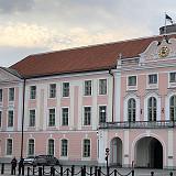 Pääministeri Jüri Ratas Viron homovastaisuuden kummisetänä